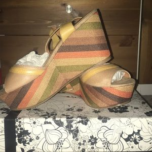 Colorful wedges size 7!